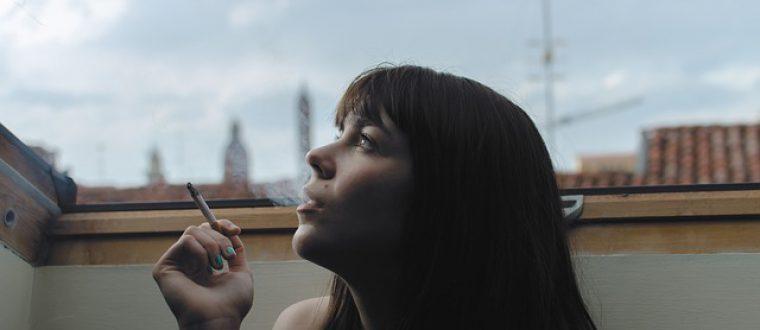 כיצד העישון משפיע על השיער שלנו?
